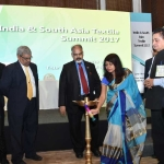 Chief Guest Dr. Kavita Gupta, IAS, Textile Commissioner lightening the lamp