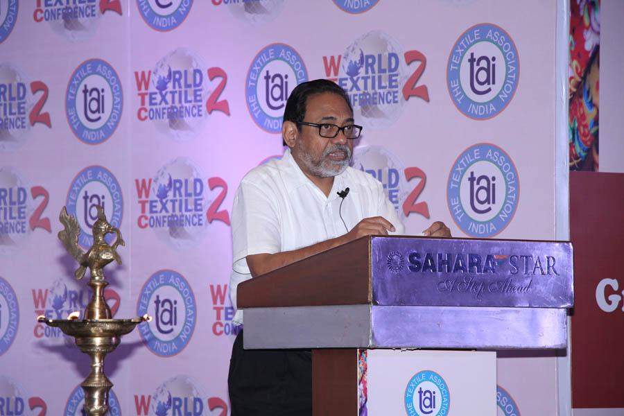 Mr. Ujjwal Uke, Principal Secretary (Textiles) addressing